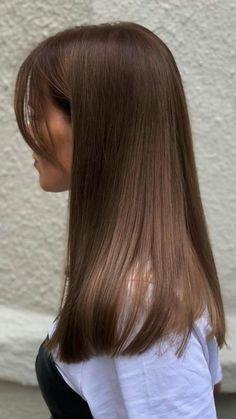 Haircuts Straight Hair, Long Hair Cuts, Hair Cuts For Girls, Haircut For Medium Length Hair, Short Scene Hair, Brown Hair Balayage, Hair Highlights, Medium Hair Styles, Short Hair Styles
