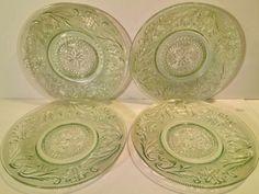 Set-of-4-Vintage-Tiara-Glass-Chantilly-Green-Sandwich-Glass-6-034-Plates-Mint