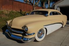 51 Merc - looks like the cars in the 80's Milky Way advert...