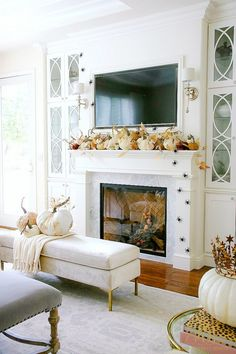 Glam Halloween Mantel - Queen of Halloween - white fireplace with custom cabinets Fall Fireplace Decor, White Fireplace, Fall Mantel Decorations, Fall Home Decor, Autumn Home, Halloween Mantel, Halloween Crafts, Formal Living Rooms, Custom Cabinets