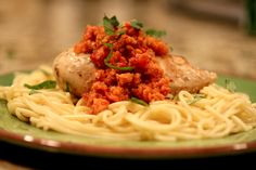 Chicken with Romesco Sauce - easy Weight Watchers meal that tastes awesome!