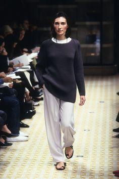 [Hermès] SPRING 1999 READY-TO-WEAR 90s Fashion, Retro Fashion, High Fashion, Fashion Show, Vintage Fashion, Catwalk Collection, Minimalist Fashion, Autumn Winter Fashion, Hermes