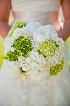 Featured on Style Me Pretty - green and white wedding details | Photography By / http://elizabethdavisphoto.com, Floral Design By / http://missygunnelsflowers.com