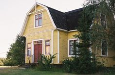yellow wooden house