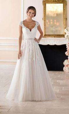 CC's Boutique offers the Stella York Bridal gowns at a wonderful price. Call or today to verify our pricing and availability for the Stella York Bridal dress. Stella York is available at our Ivory & Lace and Tampa locations. Country Wedding Dresses, Wedding Dresses Plus Size, Best Wedding Dresses, Unique Dresses, Designer Wedding Dresses, Bridal Dresses, Lace Wedding, Wedding Blog, Wedding Ideas
