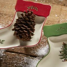 Christmas Table Decorations You'll Love in 2020 Spode Christmas Tree, Christmas Dishes, Christmas Stockings, Serving Dishes Set, Christmas Dinnerware, Christmas Table Decorations, Entertaining, Dining, Holiday
