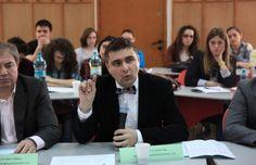Cunoscut în mediul universitar din Timișoara pentru exigența sa, conferențiarul Cristian Clipa a postat pe pagina sa de Facebook un mesaj în care anal