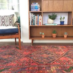 this little nook is now complete with a persian rug! www.rugandweave.com