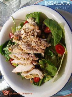 Insalata di pollo al sesamo un piatto unico gustoso e soprattutto light.  Facile e veloce da preparare, perfetta per il pranzo o cena estiva.