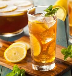 8 Things Only Southerners Know About Sweet Tea : Food Network Bourbon Drinks, Whiskey Cocktails, Tea Drinks, Beverage, Iced Tea Recipes, Cocktail Recipes, Whiskey Recipes, Drink Recipes, Stevia