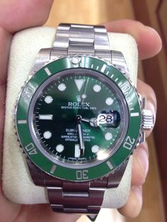The Rolex Submariner reg 116610LV was introduce in Baselworld 2010 making this piece another big seller for the the brand. We have it preowned. Call us or email us   www.thetimeshoppers.com   (800)6353095 Info@thetimeshoppers.com  #thetimeshoppers #rolex #submariner #green #hulk #ceramic #stainless #baselworld #watches #watchporn #wristwatches #usa #canada #love #follow #horology #watchesforsale #reloj #relojes #timepiece #time #luxury #fashion #online #shopping