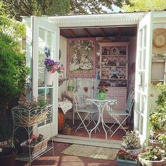 Image Source: Instagram user aliceandnana She sheds can be outfitted with a simple set of a table and chairs. http://www.popsugar.com/home/Shed-Renovation-Ideas-37666517