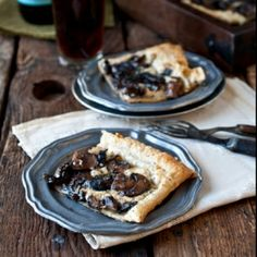 Beer Caramelized Mushroom Gorgonzola Tart. Simple, easy and delicious, perfect for a Beer Dinner!