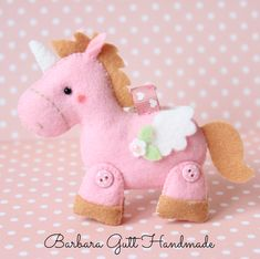 Fabric Toys, Felt Fabric, Sewing Crafts, Sewing Projects, Craft Projects, Felt Crafts, Diy And Crafts, Unicorn Birthday, Unicorn Party