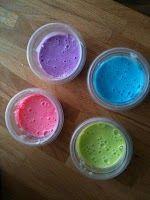 Homemade foam bath paint. body wash + cornstartch + food coloring