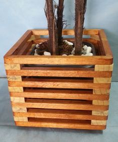 Garden Planter Boxes, Wooden Garden Planters, Wood Planter Box, Woodworking Inspiration, Woodworking Projects Diy, Wood Projects, Wood Shoe Rack, Diy Plant Stand, Diy Pallet Furniture