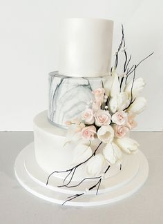 Winter themed wedding cake with sugar flowers. Sugar roses and sugar white tulips with twigs and berries. One of our favourites Themed Wedding Cakes, White Wedding Cakes, Elegant Wedding Cakes, Beautiful Wedding Cakes, Wedding Cake Designs, Beautiful Cakes, Rustic Wedding, Cake Wedding, Elegant Cakes