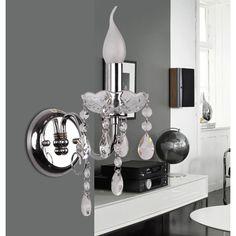 A iluminação é um ponto essencial na decoração. Há diversos modelos de arandelas disponíveis tanto para espaços internos como para espaços externos, assim.