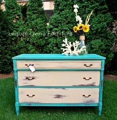 Florence and Versailles Chalk Paint ® by Annie Sloan Living Furniture, Paint Furniture, Furniture Projects, Furniture Makeover, Home Furniture, Diy Projects, Vintage Furniture, Florence Chalk Paint, Vintage Dressers