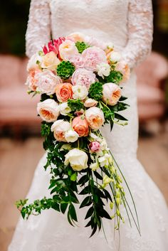 We love the vintage vibe of this gorgeous bouquet!