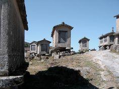 [Conjunto de Espigueiros no Soajo - Parque Nacional da Peneda-Gerês (?)] From the Valerio Olgiati (CH) picture collection