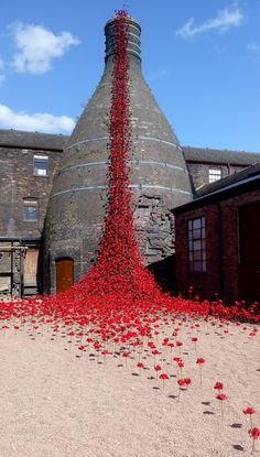 Land Art, Ceramic Poppies, Pottery Workshop, Remembrance Day, Stoke On Trent, Tower Of London, Design Museum, Public Art, Art And Architecture