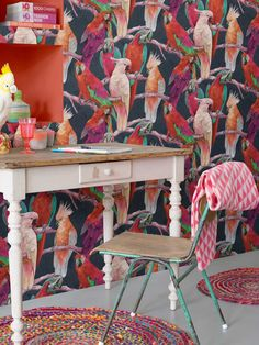 The German traditional brand rasch offers many beautiful and sometimes extraordinary wallpapers with our Lucy in the Sky collection. Experience all our wallpapers in the Lucy in the Sky collection. Parrot Wallpaper, Funky Wallpaper, Tropical Wallpaper, Wallpaper Suppliers, Home Design, Shabby Chic Baby Shower, Dark Backgrounds, Basic Colors, Wall Signs