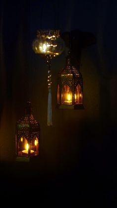 Phone Wallpaper Design, Wallpaper Iphone Cute, Muslim Images, Beautiful Landscape Wallpaper, Rain Photography, Rose Frame, Art Drawings For Kids, Candle Lanterns, Oil Lamps