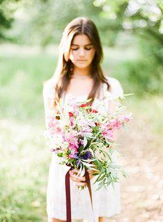 Woodland wedding inspiration   photo by Natasha Hurley Photography   100 Layer Cake