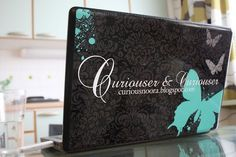 Skinillä voit myös tehdä blogiasi tunnetuksi. Nerokasta? :)    She decided to promote her blog with a DesignSkin. Genious? :) tuunattu www.designskins.fi - palvelussa
