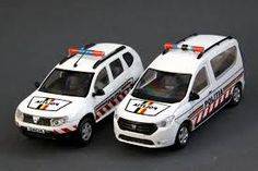 Police Vehicles, Police Cars, Automobile, Dacia Duster, Nissan Infiniti, Ford, Car Badges, Prince, Army