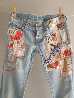 Distressed Vintage Boyfriend Jeans/Hipster Jeans/All Sizes/Grunge Jeans/boho/vintage jeans/womens jeans – 2019 - Denim Diy Denim Vintage, Jean Vintage, Boho Vintage, Diy Jeans, Jeans Denim, Jean Rapiécé, Jean Diy, Jeans Grunge, Hipster Jeans