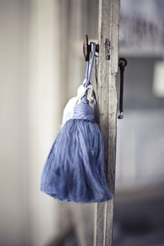 I loved the contrast of this blue against the washed put neutrals! A color palette from heaven!