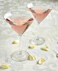 The Kiss martini... white cranberry juice, raspberry ginger ale, vodka
