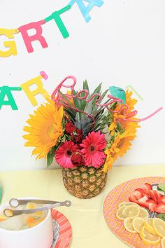Pineapple vase- Sangria Party