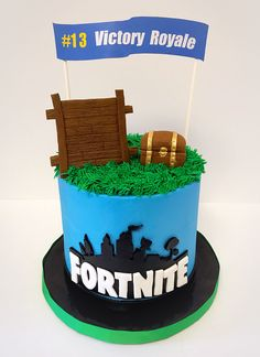 Best 20 Birthday Cake fortnite - Home Inspiration and DIY Crafts Ideas 9th Birthday Parties, Themed Birthday Cakes, 20th Birthday, Birthday Ideas, Novelty Cakes, Cakes For Boys, Cake Designs, Cupcake Cakes, Cake Decorating