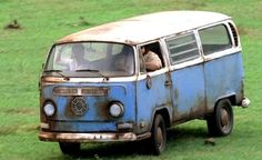 Hurley drives the Dharma Initiative Bus