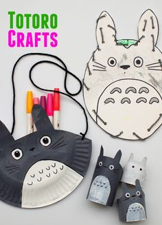 One of the cutest animated characters has to be Totoro from the movie My Neighbor Totoro. Get inspired by this big furry friend with these Totoro-Inspired Paper Crafts for Kids. In this tutorial, there are three different craft ideas for kids. Paper Crafts For Kids, Book Crafts, Projects For Kids, Diy For Kids, Fun Crafts, Toilet Paper Roll Crafts, Paper Plate Crafts, Japanese Sewing Patterns, Apron Patterns