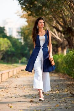 #linen #blend #jacket #summer #fashion #blue #white #chic #easy #styling #women #FABELS #Fabindia
