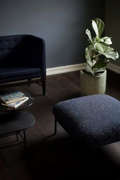 Cloud pouf LN4 by Luca Nichetto, Mayor sofa AJ5 by Arne Jacobsen and Palette table JH7 by Jaime Hayon