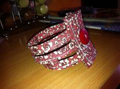 Petit bracelet en tissu tout simple à réaliser et du plus grand effet
