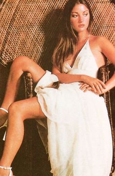Jane Seymour in Empire Cut Dre. is listed (or ranked) 3 on the list The Most Stunning Photos of Jane Seymour Jane Seymour Movies, Celebs, Celebrities, Retro Dress, Runway Models, 80s Fashion, Bellisima, Style Icons, 70's Style