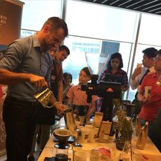 World Varista Champion @sasasestic served up fresh cups of coffee on 24 May 2016! @rhbgroup Premier Banking customers were treated to an exclusive coffee session with the man himself held at Mandarin Orchard Singapore.  #cafebond #thecoffeemanfilm #tastebettercoffee http://ift.tt/20b7rle