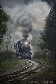 Last 'up' train of the day powers it's way through the gloaming on the Shibanxi narrow gauge railway, Sichuan Province, China. Locomotive Diesel, Steam Locomotive, Train Tracks, Train Rides, Old Steam Train, Old Trains, Vintage Trains, Train Pictures, Steam Engine