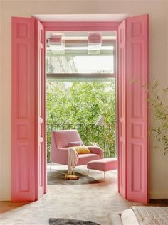 HOME & GARDEN: Pink is beautiful !