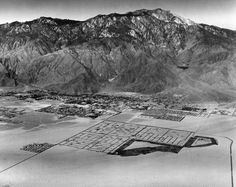 Aerial view of Palm Springs in 1963 with Mount San Jacinto in the background. Courtesy of the USC Libraries - Dick Whittington Photography Collection. Usc Library, San Jacinto, University Of Southern California, Spring Photos, Vintage California, Historical Images, Great Memories, Aerial View, Palm Springs