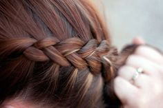 Katniss braid (dutch braid)