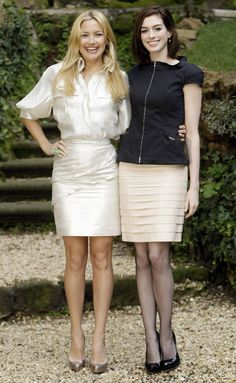 "https://flic.kr/p/5TvxvM | Kate Hudson & Anne Hathaway | Kate Hudson and Anne Hathaway at the ""Bride Wars"" photocall in Rome, Italy on January 17th.  get more celebrity dirt @ ( dirtywhorelebrity.com )"