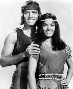 BURT LANCASTER AND JEAN PETERS IN APACHE