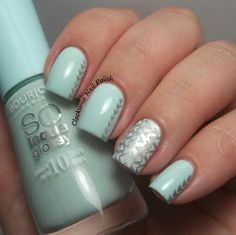 The Clockwise Nail Polish: Uber Chic Beauty 1-01 Stamping Plate Review